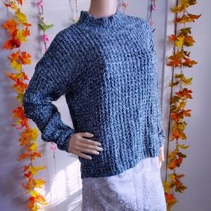 NWOT SWEATER MAURICES CLASSIC AND COZY